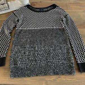 Light Wear, American Eagle Outfitters Vintage Boyfriend, Knit, Black, White.
